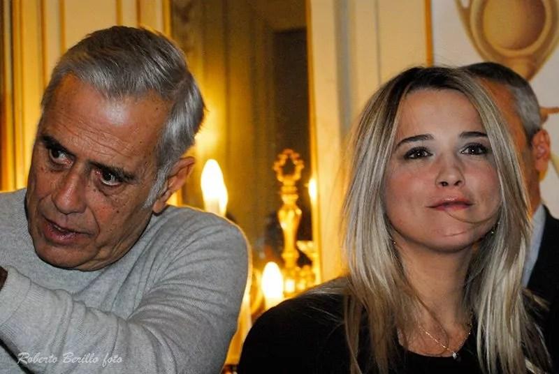 Teo Teocoli e Francesca Barra durante la conferenza stampa della trasmissione di Rai 1 l'anno che verrà a Potenza nella sontuosa cornice del Teatro Francesco Stabile in piazza Mario Pagano (ph. In24/R. Berillo).
