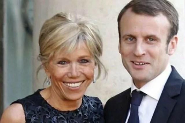 Presidenziali in Francia, nella corsa all'Eliseo del 39enne Emmanuel Macron spunta la moglie Brigitte Trogneux di 64 anni. E si scatena il gossip.