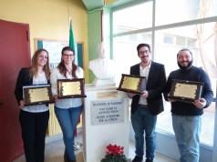 Gli autori del restauro della statua di Giovanni Falcone a Palermo (ph In24/ M. Chiara Ferraù).