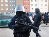Terrore in Francia, è morto il gendarme che si è offerto in ostaggio