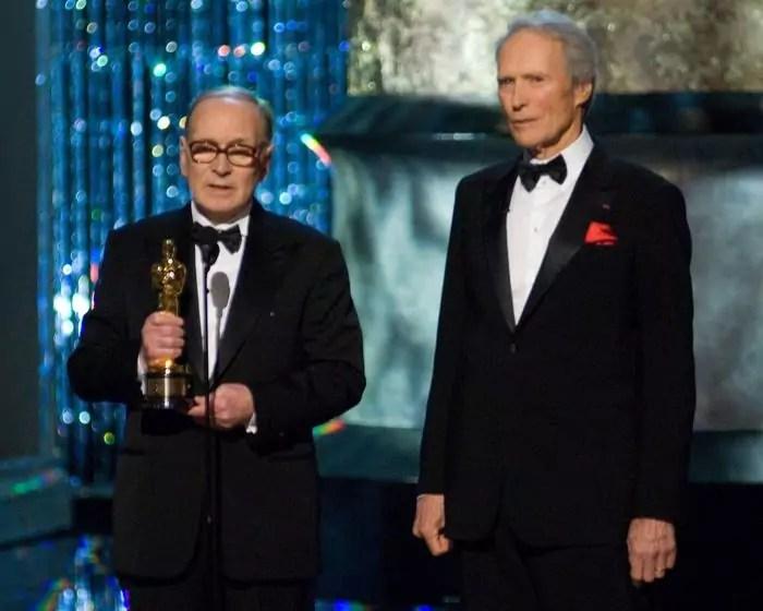 Clint Eastwood presenta il Premio Oscar onorario a Ennio Morricone al 79esimo Academy Awards al Kodak Theatre di Hollywood il 25 febbraio 2007 (ph. - EPA / MICHAEL YADA / A.M.P.A.S.).