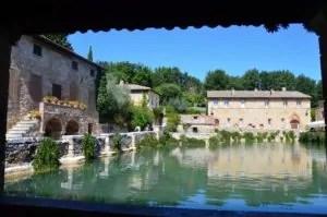 Bagno Vignoni_Piazza delle sorgenti Ph. P.Russo/IT24