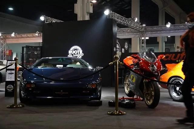 La Lamborghini Diablo del 1991 esposta a Auto e moto d'Epoca Fiera di padova 2020.