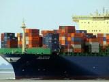 Commercio estero e trasporti internazionali, shipping container (ph. Foto di Frauke Feind / pixabay.com).