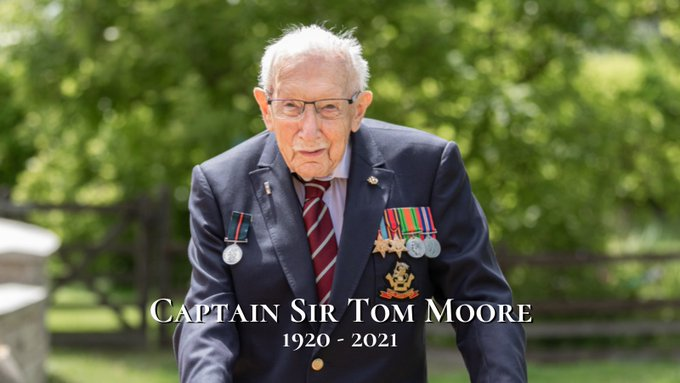 Capitan Sir Thomas Moore (ph. Twitter).