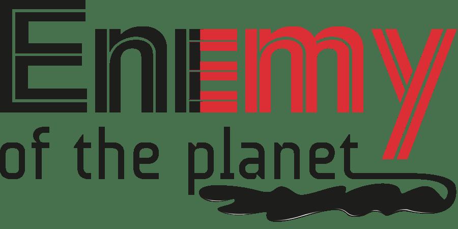 """Friday for future: Striscione contro Eni con lo slogan """"Eni enemy of the planet""""."""