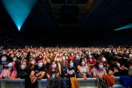 Il concerto di Barcellona dei Love of Lesbians in Spagna con 5mila persone (foto Xavier Mercade).