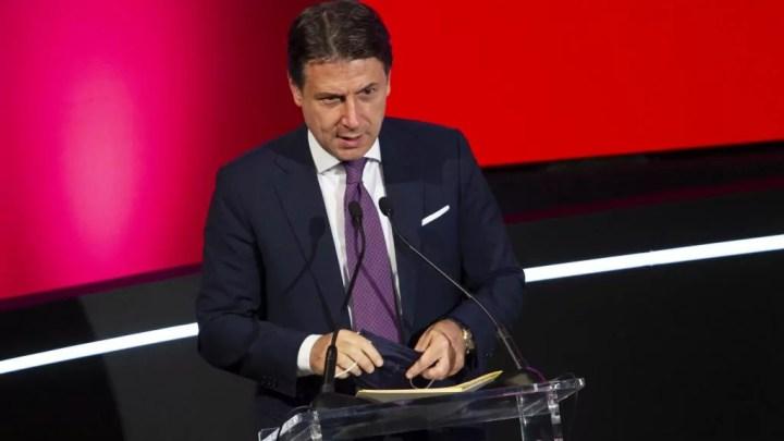 Giuseppe Conte alll'Assembla del Movimento 5 stelle (Italpress)