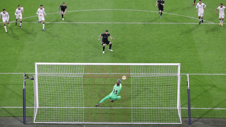 Europa League: Roma batte Ajax 2 a 1. Ci pensano Pellegrini ed un gran gol di Ibanez. Pau Lopez para anche un rigore. (credit Ajax ACF Official Website)