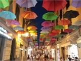 Pietrasanta ombrelli colorati via mazzini