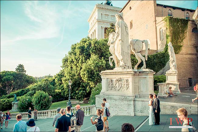 elope-in-rome_15