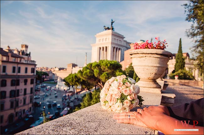 elope-in-rome_17