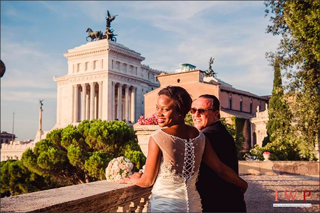 elope-in-rome