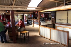 ayers_rock_resort_outback_pioneer_bbq_(4)