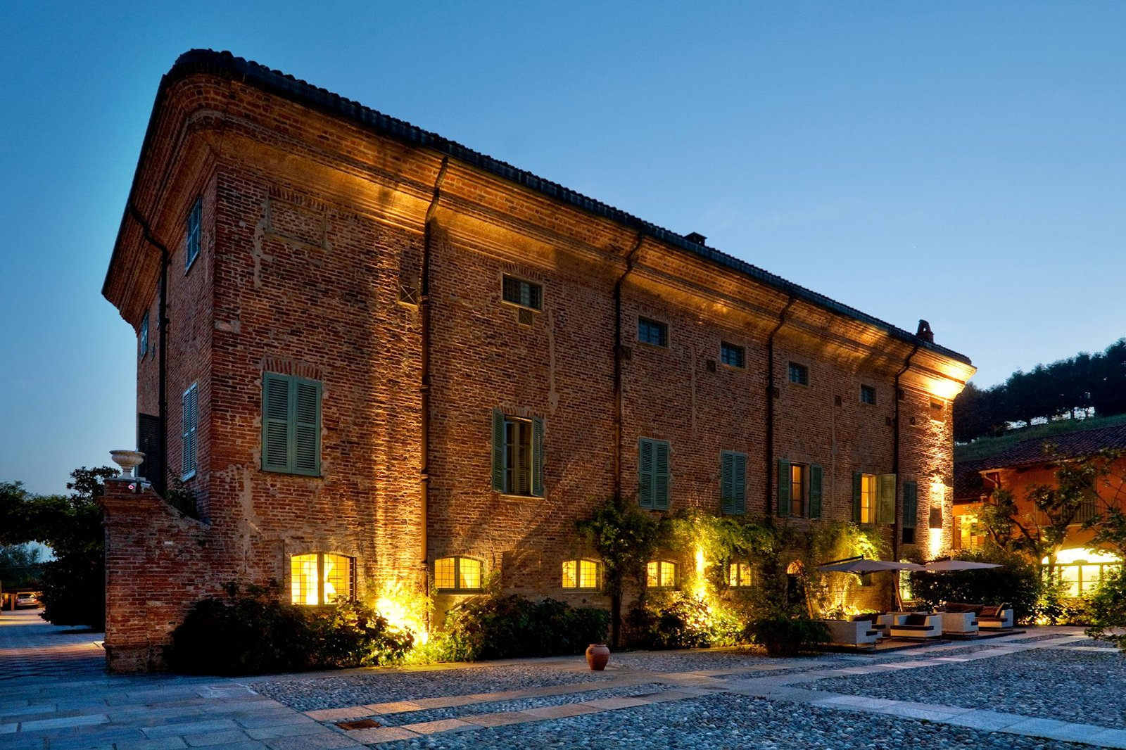 H tel de charme pi mont italie relais del sant 39 uffizio asti for Hotels de charme