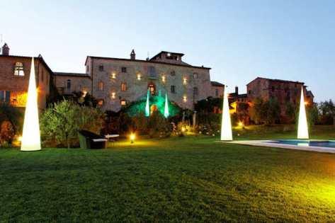 Castello di Montignano, hotel de luxe en Ombrie (vue extérieure)