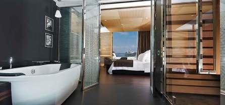 Romeo Hotel design Naples : Une chambre (vue de la salle de bain)
