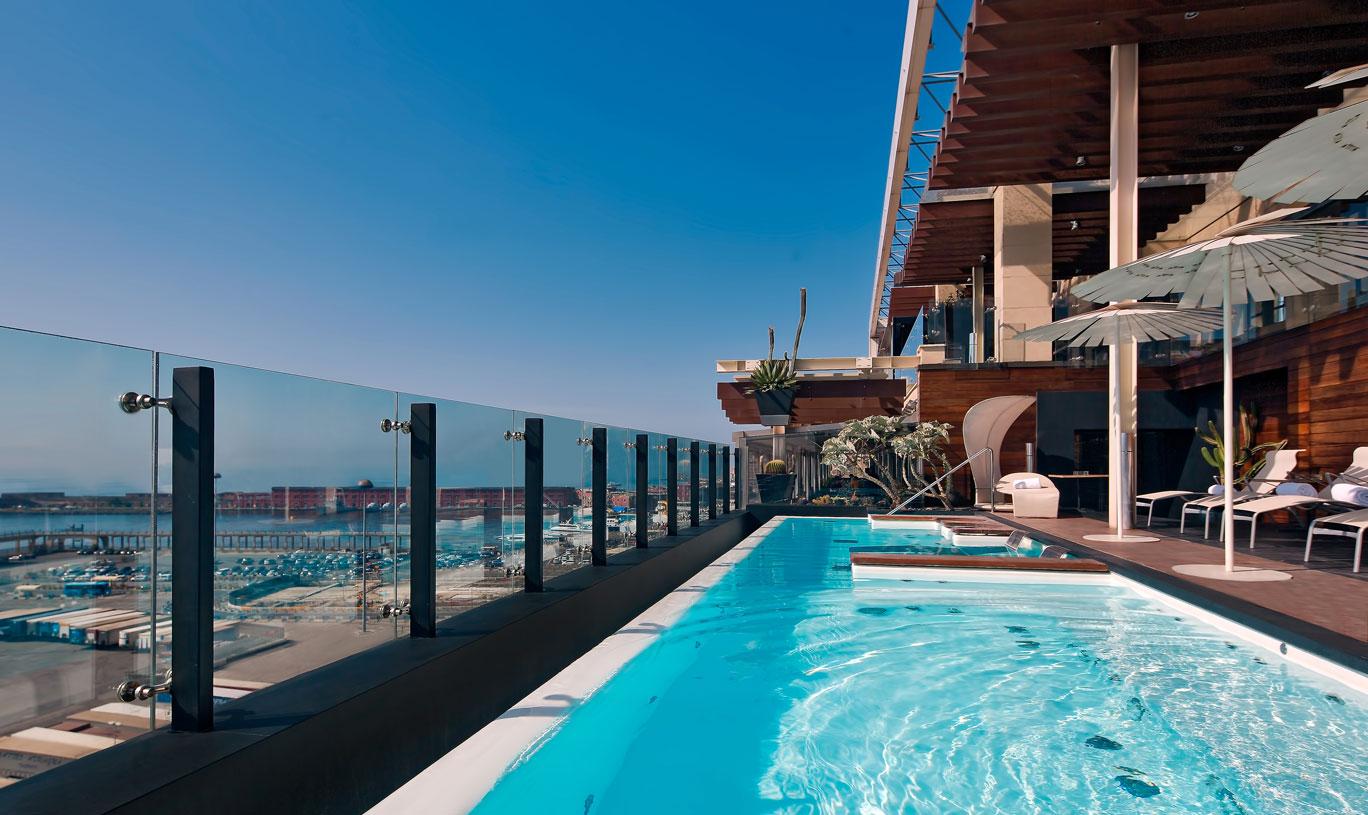 Romeo hotel design Naples, piscine avec vue panoramique