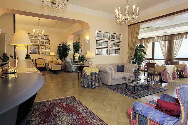 Salon de l'hôtel Il Nido Amalfi