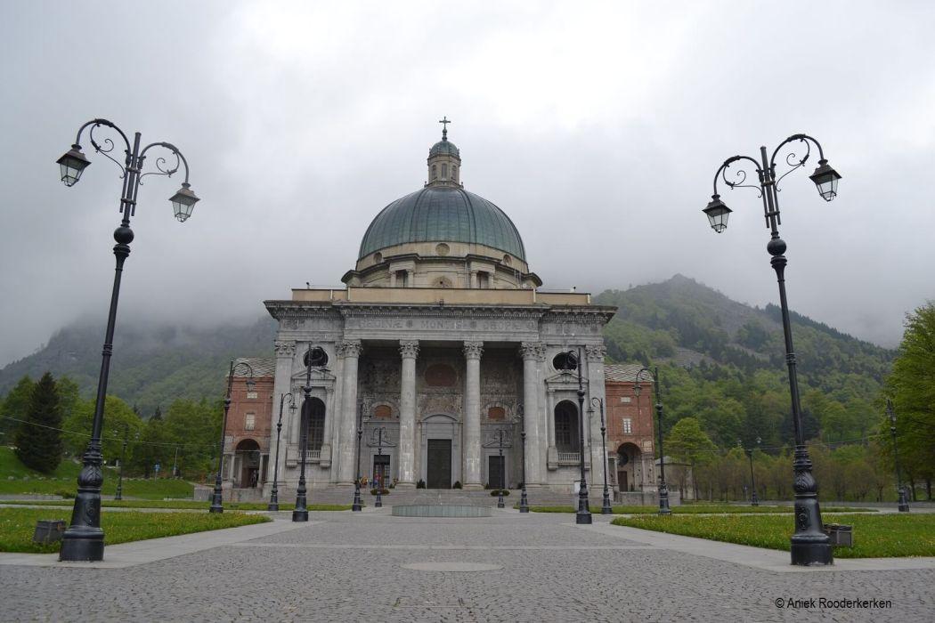Santuario di Oropa, ook wel il Santuario sotto il cielo genaamd