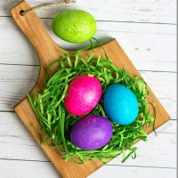 Dye Easter Eggs With Rice & Food Coloring