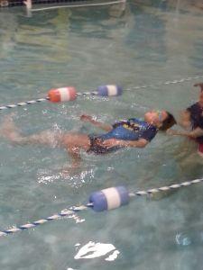 Sebastian en sus clases de natación