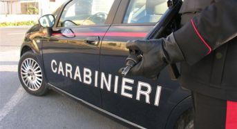 Contestato il tentato omicidio al 19enne arrestato dai carabinieri per aver aggredito selvaggiamente la fidanzata