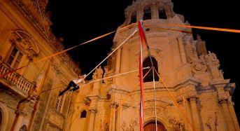 Venti anni di arte di strada: ritorna Ibla Buskers, la festa meticcia dal cuore siciliano
