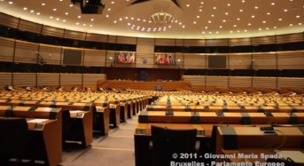 Il PE chiede una Brexit rapida per uscire dall'incertezza e avviare una profonda riforma dell'UE