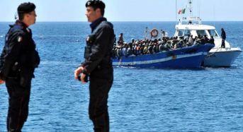 Piccola flotta di gommoni partiti dalla Libia, fermati 4 scafisti dalla Polizia