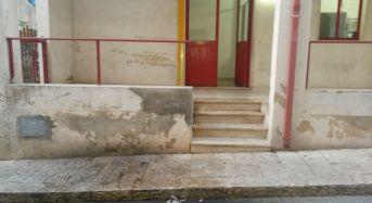 Santa Croce Camerina, cittadini segnalano lo stato di degrado dei servizi igienici pubblici