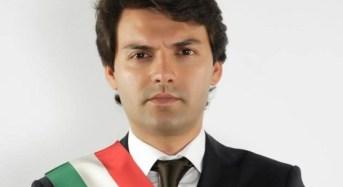 Mazzarrà Sant'Andrea, sindaco e un ex senatore arrestati per corruzione e peculato nella gestione dei rifiuti