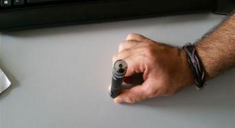 Puntatori laser, di classe pari o superiore a III, causa di gravi danni oculari