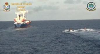 Maxi sequestro di droga al largo della Sardegna. Oltre 20 tonnellate a bordo della nave Jupiter: 10 arresti