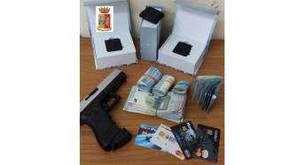 Rilevatori di microspie, soldi e una pistola in casa. Due pregiudicati gelesi arrestati dalla Mobile