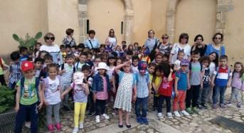 """Acate. Ottanta bimbi della scuola dell'infanzia del comprensivo, """"Serafino Amabile Guastella"""" in visita al Castello."""