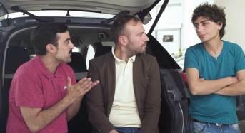 Automobile al Nord vs. automobile al Sud: Il nuovo esilarante video di Casa Surace e automobile.it