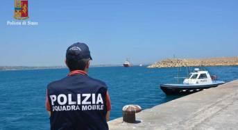 Pozzallo. 267 migranti a bordo di due imbarcazioni: Fermati tre scafisti