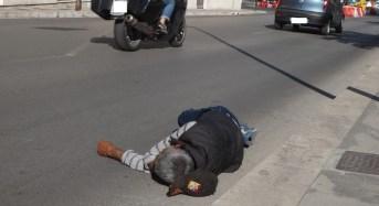 "A Ragusa… ""si dorme in strada"""