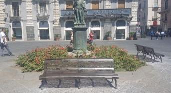 Catania, in Piazza Università ritornano le panchine