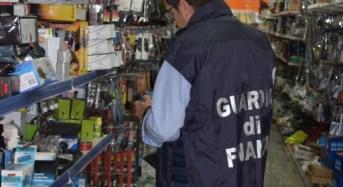 A Scoglitti, Santa Croce Camerina, Modica e Scicli è lotta alla contraffazione e all'abusivismo commerciale: Sequestrati oltre 400.000 articoli contraffatti e pericolosi