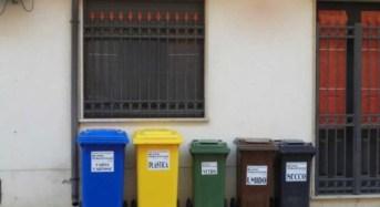 Acate. Ferragosto: Servizio raccolta rifiuti solidi urbani.