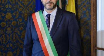 I complimenti del primo cittadino a Francesco Caramagna, scoglittiese e nuovo sindaco di Elmwood Park in New Jersey