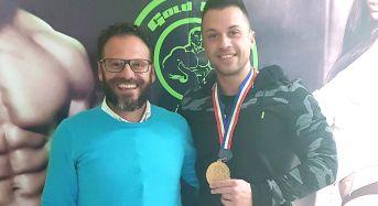 Franco Pagliari, giovane atleta comisano di body building, vince la medaglia d'oro per la terza volta, a livello internazionale