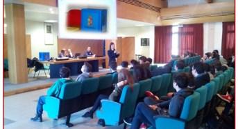 """Sassuolo. Continua senza sosta la campagna della Polizia di Stato """"BLUE BOX"""" contro il disagio giovanile"""