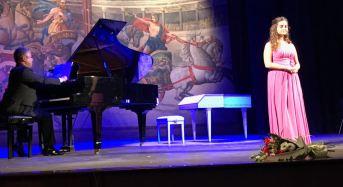 Modica. Wolfgang Amadeus Mozart si è presentato al teatro Garibaldi ed ha coinvolto appassionando