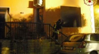 Ragusa. Incendio in via Archimede: limitato il numero delle vittime grazie al pronto intervento dei Carabinieri.
