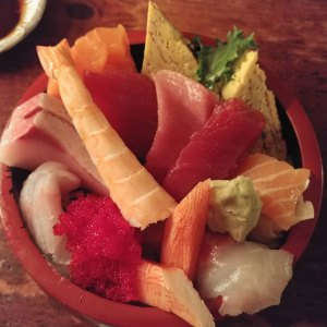 Royal Chirashi - Poke Bowl - Itamae