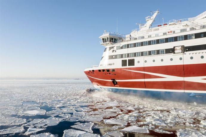 Viking Linella vakaa matkustajamäärä ja kaikkien aikojen rahtiliikenne-enn�