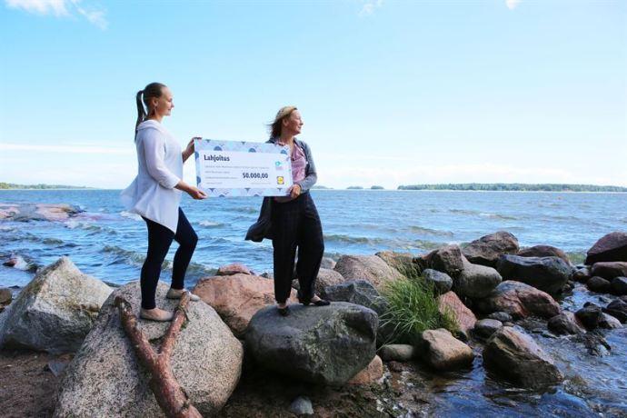 Itämeri rehevöityy – Lidliltä 50 000 euron lahjoitus Itämeren suojeluun